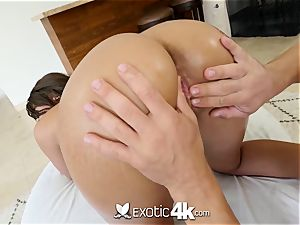 bodacious Cassidy Banks will make you jism hasty
