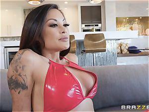 wonderful Kaylani Lei in crimson leathers