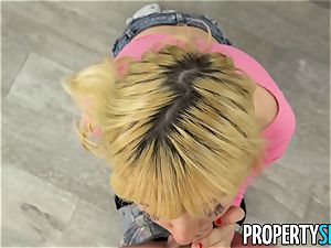PropertySex little Kenzie Reeves penetrates For a room
