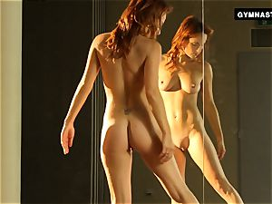 Mature red-haired does amazing opens up