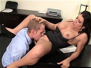 WANKZ- mischievous cougar manager Gets screwed Until She blasts
