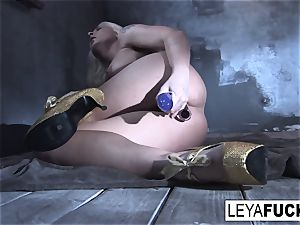 Leya Falcon stuffs fucky-fucky playthings in both her holes