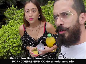 CARNE DEL MERCADO - tastey Colombian poon pummeled stiff