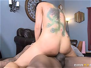 Romi Rain bangs her red-hot black trainer in front of her stud