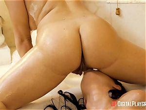 warm and wet lesbos Mila Marx and Carolina Sweets minge pleasures in the tub