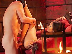 Asa Akira gets her steamy lips round a large lengthy bone
