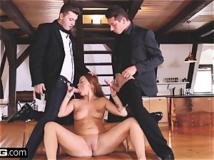 Glamkore - black-haired euro babe in double penetration threeway