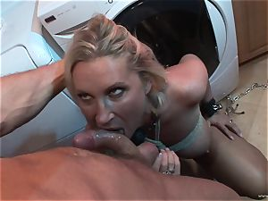 Devon Lee loves getting her wet cooter tucked