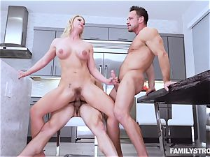 Phoenix Marie gets a super-hot 3some at the dinner table