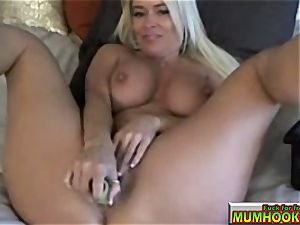 hot and sizzling mom mastrubate so supreme