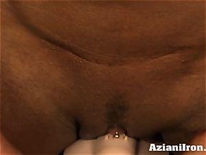 Amazon princess Amber Deluca likes her sybian orgasm